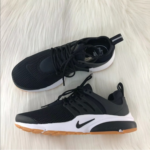 online retailer 28eac 049bf Women's Nike Black Air Presto Sneakers NWT